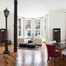 Contemporary Living Room by Virtus Design