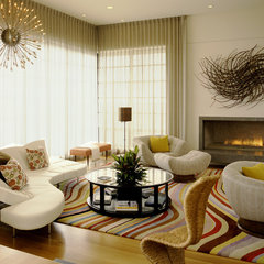 modern living room by Tommy Chambers Interiors, Inc.