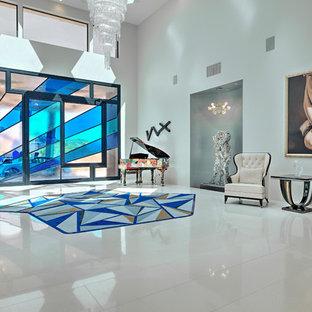 Ispirazione per un grande soggiorno minimal stile loft con sala della musica, pareti bianche, nessun camino, nessuna TV e pavimento in marmo
