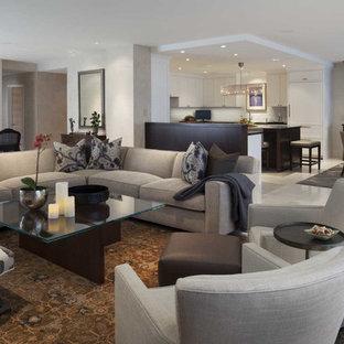 Foto di un grande soggiorno minimalista stile loft con sala formale, pareti bianche, pavimento in pietra calcarea, nessun camino, nessuna TV e pavimento beige