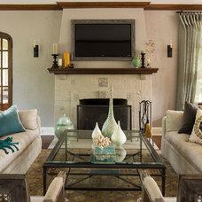Traditional Living Room by Renae Keller Interior Design, Inc.