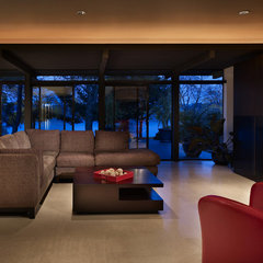 modern living room by BAAN design