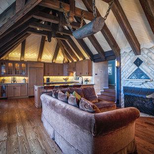 Offenes Stilmix Wohnzimmer mit Kamin in Chicago