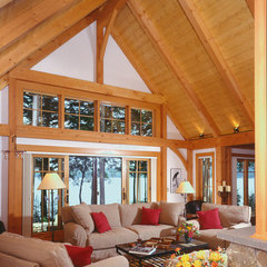 traditional living room by Timberpeg Timber Frame