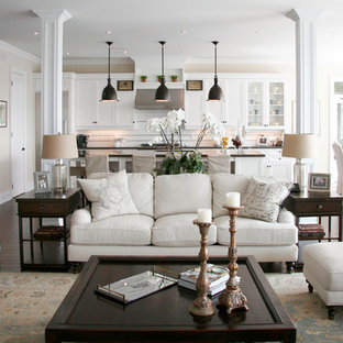 75 Beautiful Traditional Living Room With A Wall Mounted Tv Pictures Ideas April 2021 Houzz