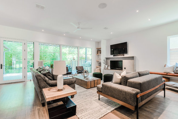 Contemporary  by Urbanology Designs