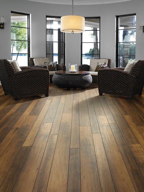 wohnen mit laminat und grauer wandfarbe ideen f r die. Black Bedroom Furniture Sets. Home Design Ideas