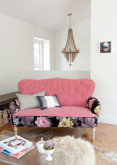 What Goes With Floral Upholstery?