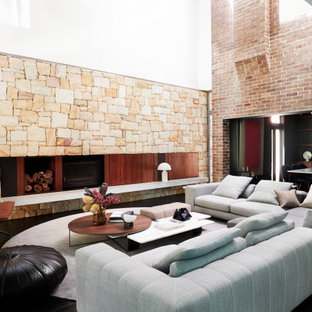 This is an example of a midcentury living room in Sydney.