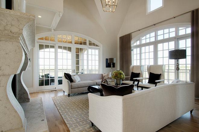 Traditional Living Room by Laratta Homes Ltd
