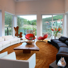 Contemporary Living Room by Adrian Martinez Arquitectos