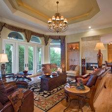 Contemporary Living Room by Susie Johnson Interior Design, Inc.