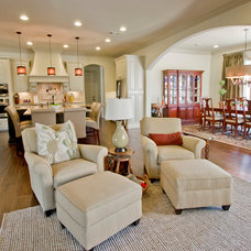 Traditional Living Room by 3wiredesigns