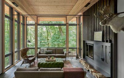 USA Houzz Tour: A Well-Framed Timber Retreat on a Sloping Site