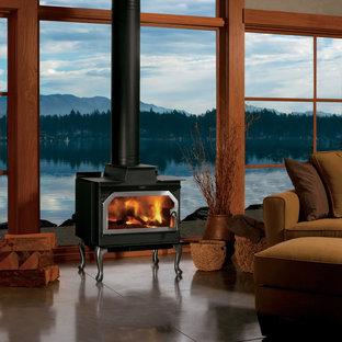 Imagen de salón clásico con estufa de leña