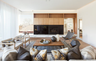 Winning Combination: White and Wood in the Living Room