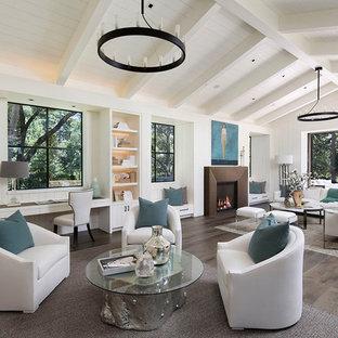 Idéer för stora lantliga allrum med öppen planlösning, med vita väggar, en standard öppen spis, mellanmörkt trägolv, en spiselkrans i betong och brunt golv