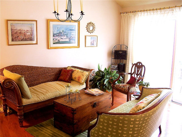 Traditional Living Room by Linda Merrill