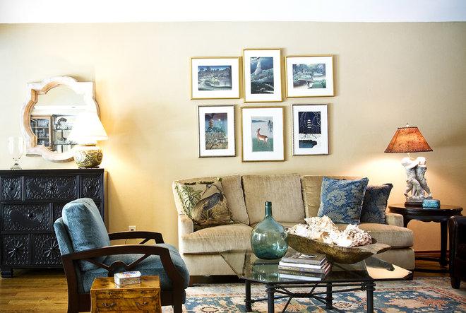 Traditional Living Room by Allison Jaffe Interior Design LLC