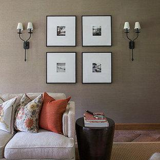 Imagen de salón cerrado, tradicional, de tamaño medio, con chimenea tradicional, paredes marrones y suelo de baldosas de cerámica
