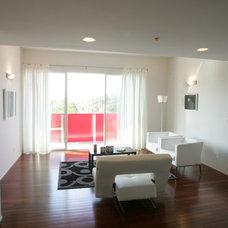 Modern Living Room by Bercy Chen Studio