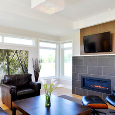 Contemporary Living Room by Cedarstone Homes Limited