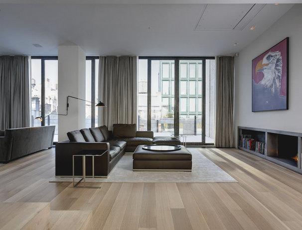 Modern Living Room by d'apostrophe design, inc.
