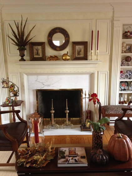 Traditional Living Room by Emily Winters