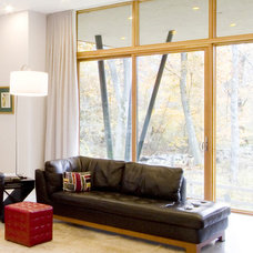 Modern Living Room by Chang + Sylligardos Architects