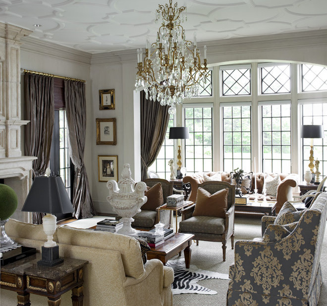Traditional Living Room by Anthony Como of Luxe Interiors
