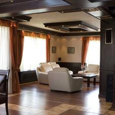 Transitional Living Room by Angel Mangarakov
