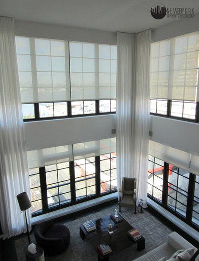Модернизм Гостиная by New York Window Fashion