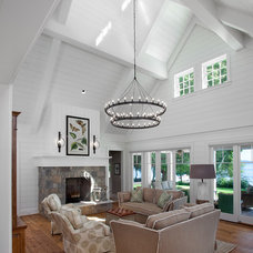 Traditional Living Room by Daeco Builders inc.