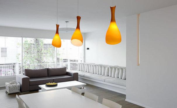 Modern Living Room by Dana Cohen-Vishkin