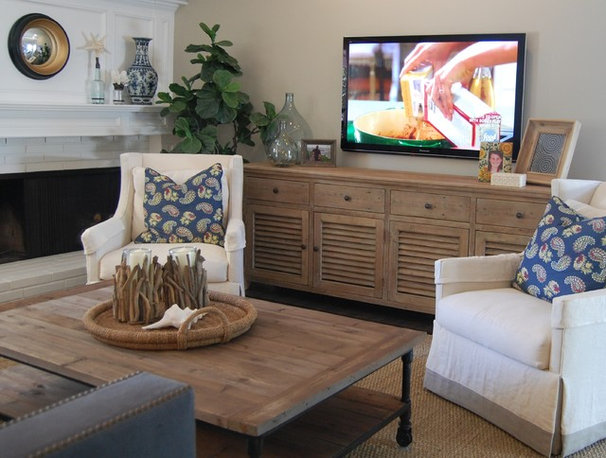 Transitional Living Room by Dana Nichols