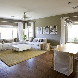 Foto di un soggiorno boho chic aperto con pareti beige