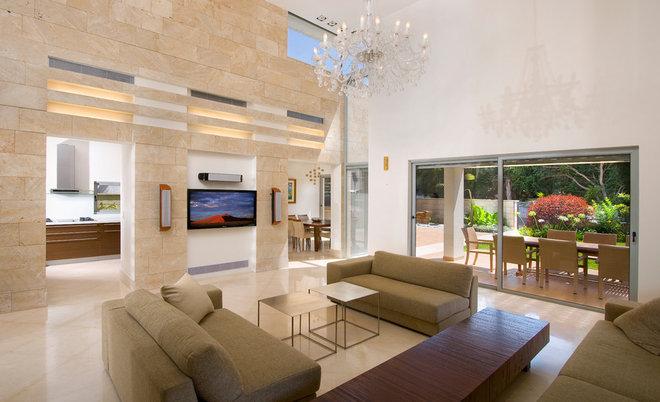 Modern Living Room by Elad Gonen