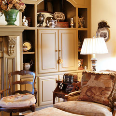 traditional living room by Elizabeth Anne Star Interiors