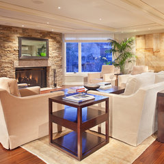 contemporary living room by Forum Phi