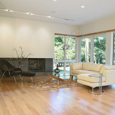 Contemporary Living Room by Gary Rosard Architect