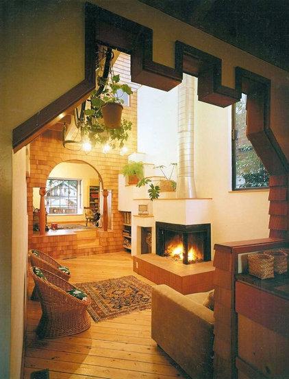 Contemporary Living Room by Glenn Robert Lym Architect