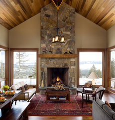 traditional living room by Hendricks Architecture