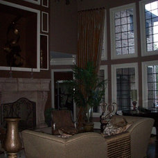 Traditional Living Room by Hickman Construction Company, Inc.