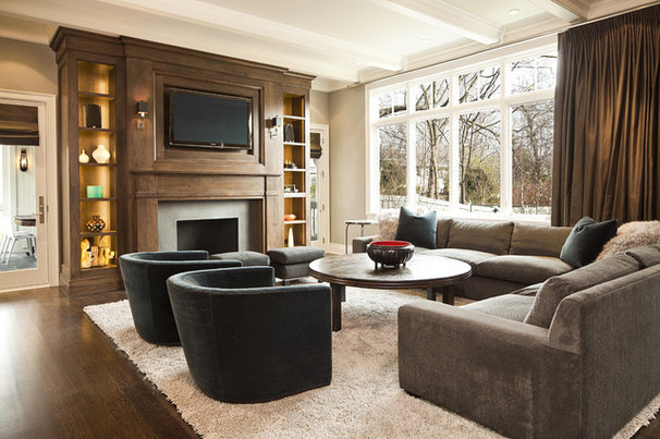 Traditional Living Room by Highgate Builders