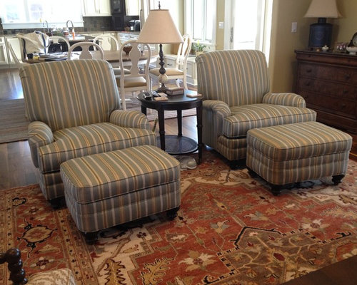 Traditional Living Room Idea In Wilmington