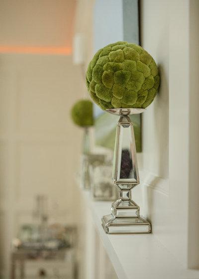 Eclectic Living Room by BELLA INTERIORS - Jill Kalman