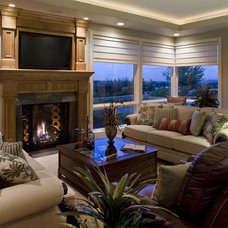 contemporary living room by Kaufman Homes, Inc.