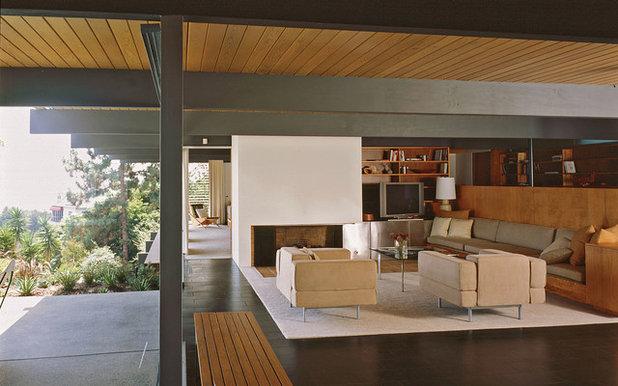 Modern Living Room by hughesumbanhowar architects