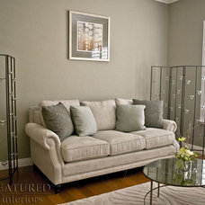 Modern Living Room by Natasha Sanchez/ Featured Interiors