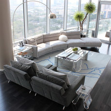 contemporary living room by MN Design by Mauricio Nava